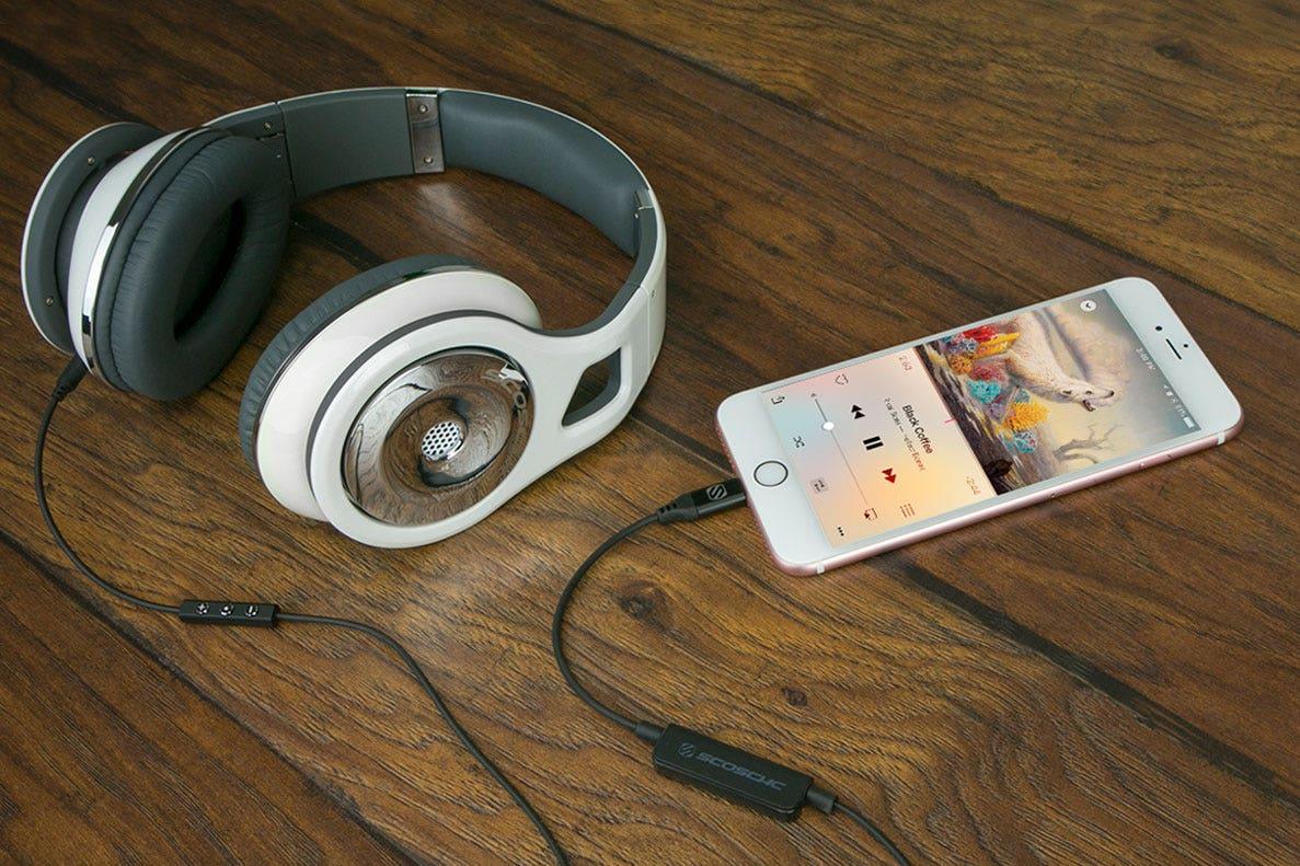 iPhone 7 Bids Farewell to the Headphone Jack